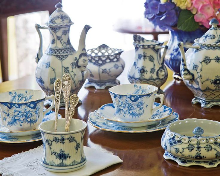 Blue and white chinaware is a timeless décor staple that complements nearly any style. Whether you are just starting out or have dozens of treasured finds, curating a special collection of different patterns and pieces both antique and reproduction is a beloved tradition that began centuries ago.