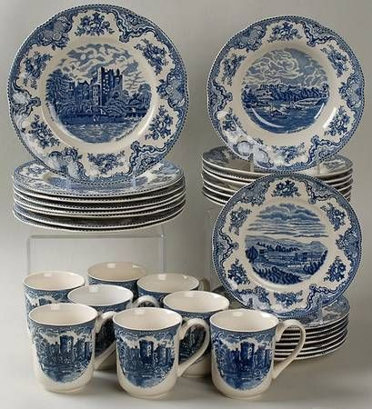 Your Favorite Brands Classic Dinnerware Sets 32 Piece Set