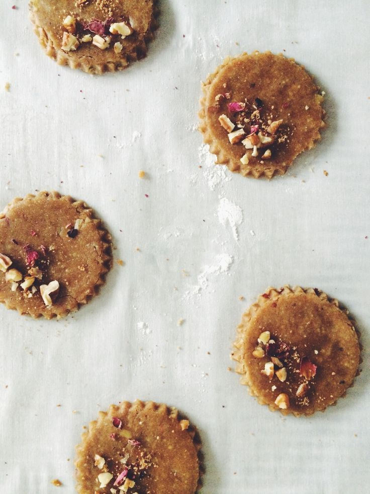 Pecan Rose Shortbread | My Natural Kitchen