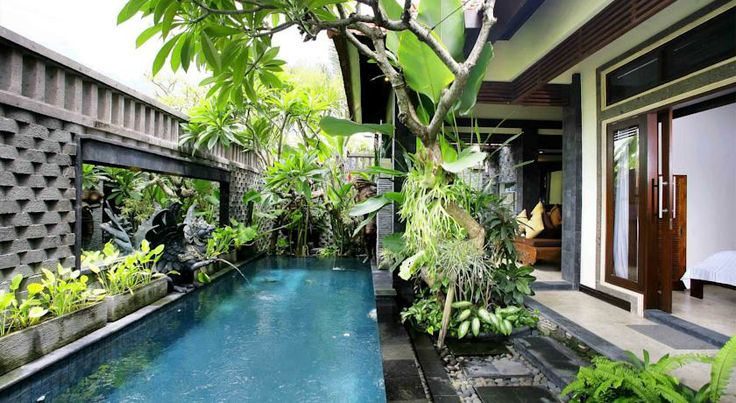 Featuring Balinese-inspired villas with private pools, Taman Sari Bali Villas Kerobokan is a 10-minute drive from the centre of Seminyak. It...