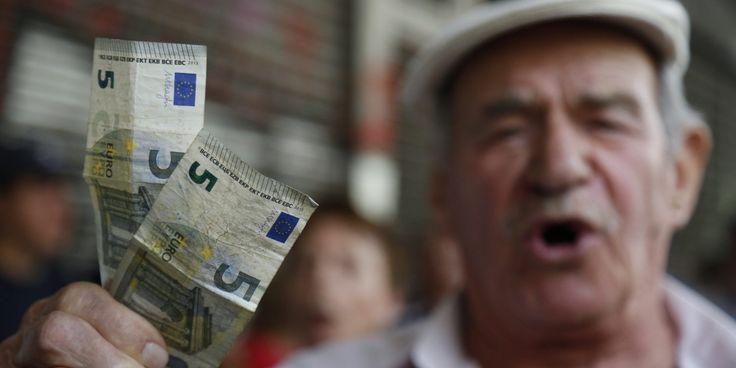Δύο εκατομμύρια συνταξιούχοι χάνουν μέχρι και 4 συντάξεις το χρόνο