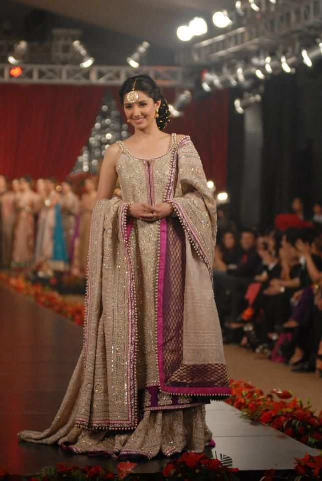 Umar Sayeed Bridal Dresses in PFDC L'Oreal Paris Bridal Week 4