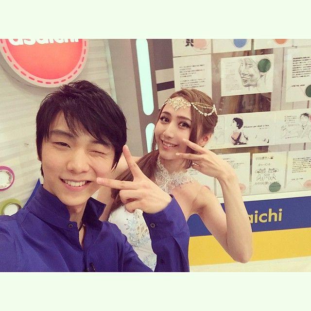 Thank you to everyone at Asaichi and to everyone who watched! Selfie taken by Yuzuru❄️ NHKあさイチの皆様、テレビを見て下さった皆様、有難うございました!☺️羽生選手がとったセルフィ〜お疲れ様でした!❄️ #nhk #asaichi #yuzuruhanyu #羽生結弦 #あさイチ #サラオレイン #sarahalainn #thefinaltimetraveler
