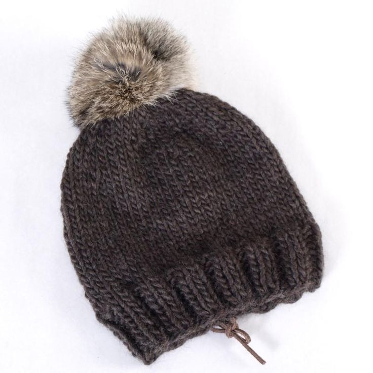 patron gratuit de bonnet afghan bonnet marron en laine. Black Bedroom Furniture Sets. Home Design Ideas