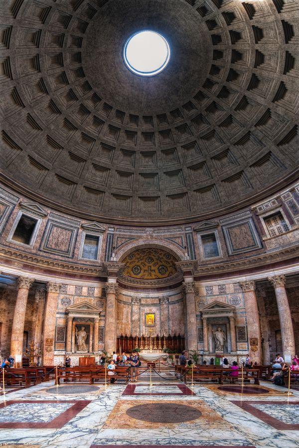 Roma. El panteón. Uno de los monumentos que más me gustan!                                                                                                                                                                                 Más