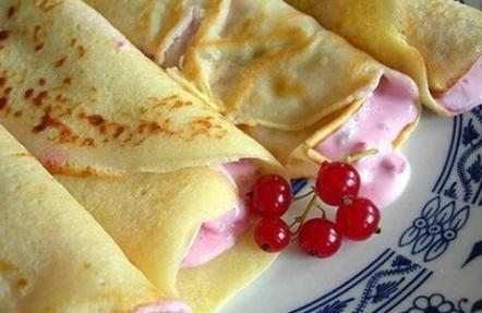 Palačinky s rybízovým tvarohem / Pancakes with currant curd