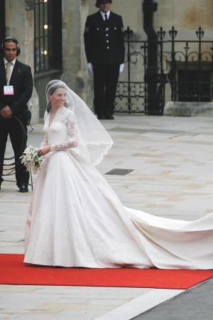 キャサリン妃のウェディングドレスを巡ってアレキサンダーマックイーンが告訴される