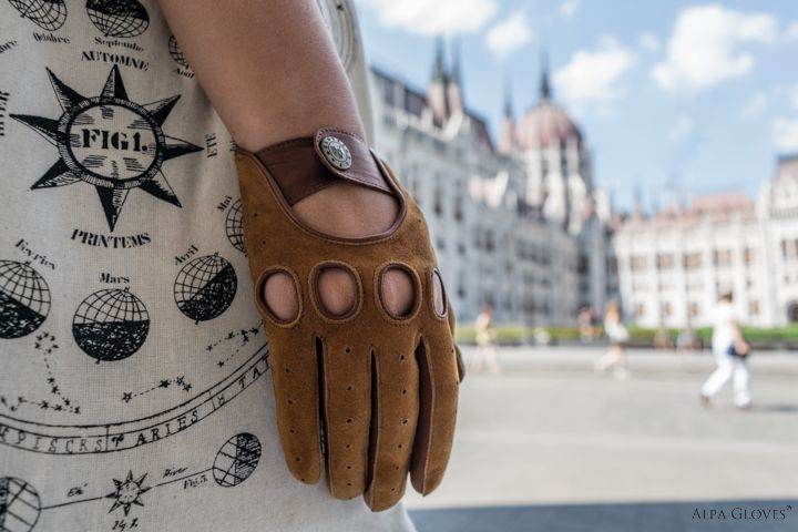 Driving gloves from Budapest, Hungary. Webshop: www.alpagloves.com