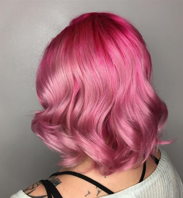 "788 Me gusta, 25 comentarios - VANCOUVER BALAYAGE|VIVIDS (@elissawolfe) en Instagram: ""Pretty💕In💕Pink @modernsalon #modernsalon #playingwithpink 💗💗💗 ✨I used @pravana magenta at the roots…"""
