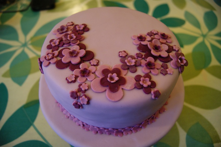 Our cakes are taking on a floral theme at the moment