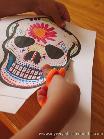 FREE: Day of the Dead printable mask craft
