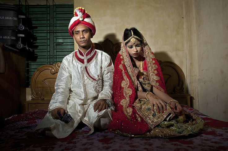 """The saddest bride I have ever seen."" 15-year-old Nasoin Akhter, in Manikganj, Ba... - Allison Joyce/Getty Images"