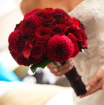 red wedding bouquet flowers, bridal bouquet, add pic source on comment and we will update it. www.myfloweraffair.com