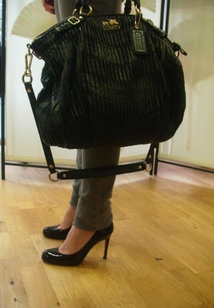 coach bag, louboutin shoes  >> mabulledemode.overblog.com
