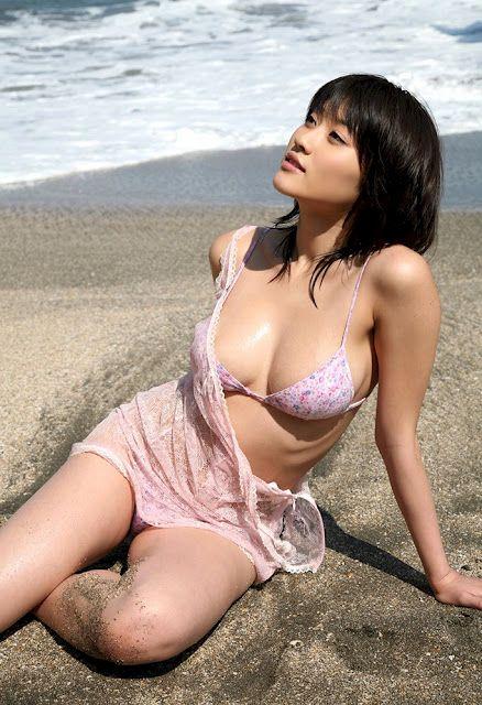 mikie-hara-hot-pose.jpg (438×640)