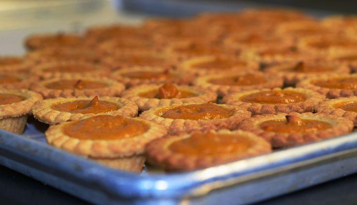 Mini Pumpkin Tarts - so easy! http://www.hockley.com/mini-pumpkin-tarts/