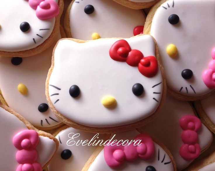 Biscotti Hello Kitty decorati con ghiaccia reale