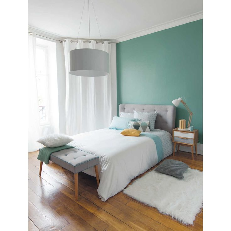 Bedroom vintage style - Bed 'ICEBERG', bench 'ICEBERG', night tabel 'FJORD' designs by maisonsdumonde.com