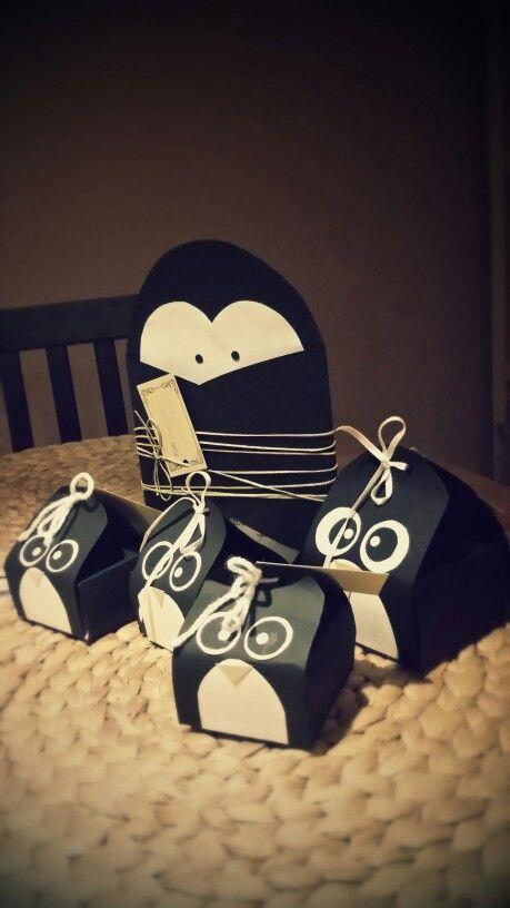 Penguin favors and invitation set