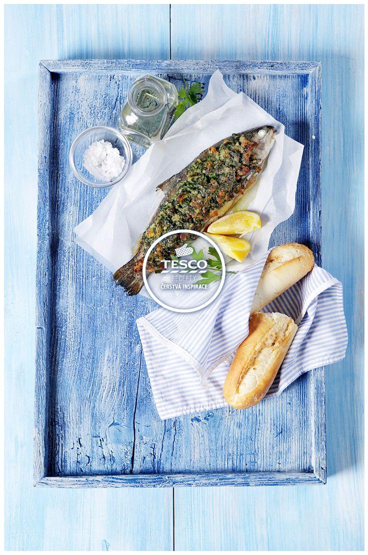 http://www.tescorecepty.cz/recepty/detail/36-pstruh-na-grilu-s-citrony-a-bylinkovou-krustou  Pstruh na grilu s citrony a bylinkovou krustou