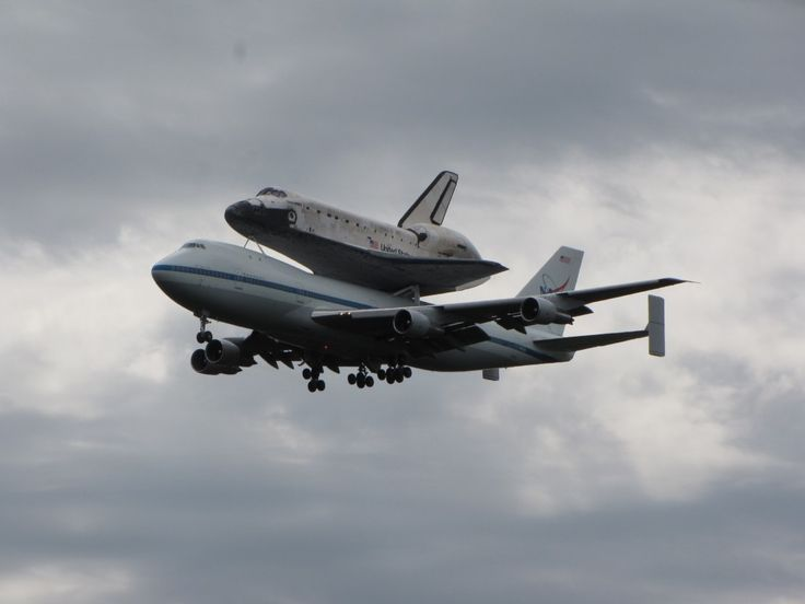 space shuttle discovery at dulles airport - photo #25