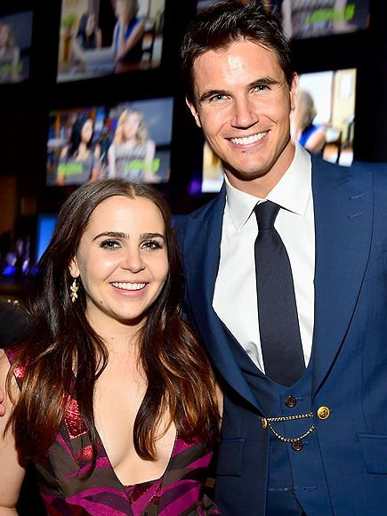 Star Tracks: Friday, February 13, 2015 | SMILE FOR THE CAMERA | The Duff costars Mae Whitman and Robbie Amell hit the afterparty for the movie's screening at Dave & Busters in Hollywood on Thursday.