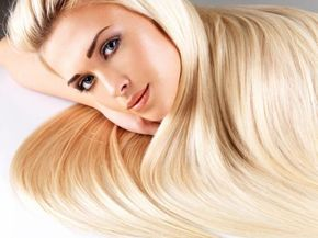 Cómo hacer queratina casera para el cabello. ¿Quieres olvidarte del frizz, tener un pelo que luzca sano o alisar el pelo rizado? Entonces, la keratina es una de las mejores opciones para ti. Este producto es muy popular para fortalecer el cabell...