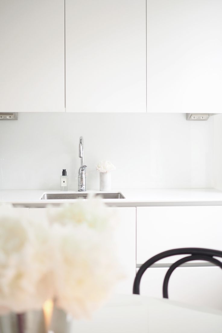 Char and the city - Kitchen: peonies and Jo Malone´s hand soap ...