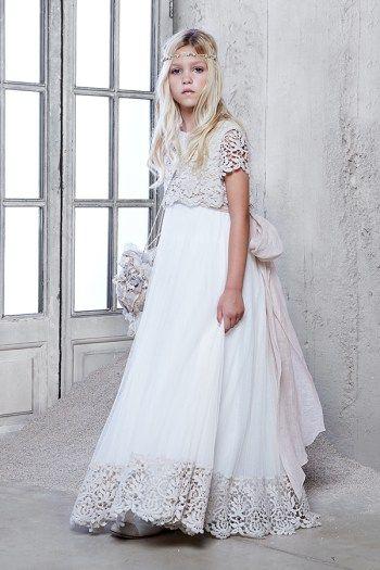Vestido de comunión de la firma Hortensia Maeso. Descubre mas vestidos de comunión en www.hortensiamaeso.com