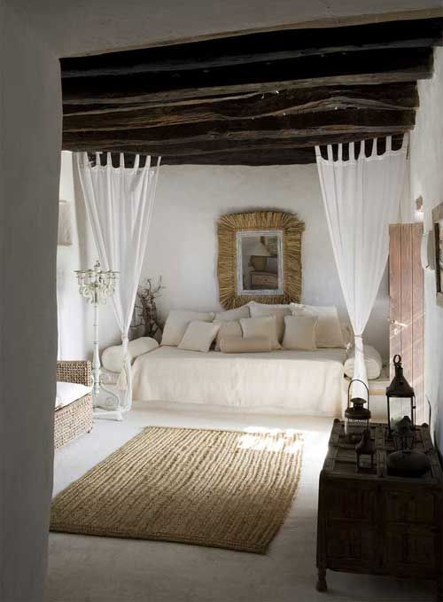 rustic: Rustic Bedrooms, Idea, Beds, Four-Post, Expo Beams, Interiors Design, Guest Houses, Guest Rooms, Wood Beams