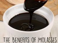 Blackstrap Molasses Benefits ( Cooking and Beauty Uses)