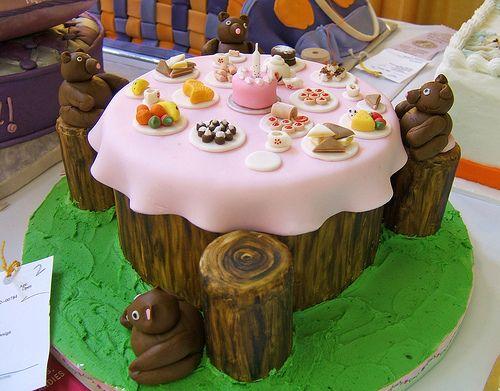 @Gail Nilsson :): Teddy Bears Picnics, Bears Teas, Birthday Parties, Bears Parties, Parties Ideas, Parties Planners, Teas Parties Cakes, Picnics Cakes, Books Parties