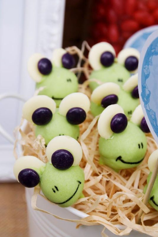 """""""what are little boys made of"""" birthday party froggy cake pops"""