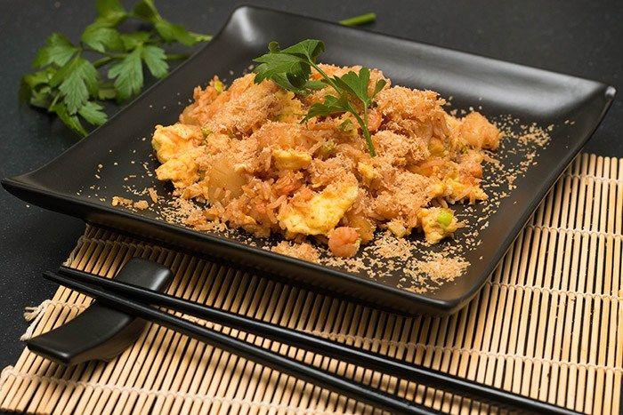 Recept: Crispy rijst met garnalen en ananas