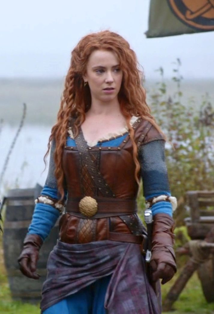 "I need to make this costume! Merida's battle outfit from Once Upon A Time's ""The Bear King and the Bow."" #OUAT"