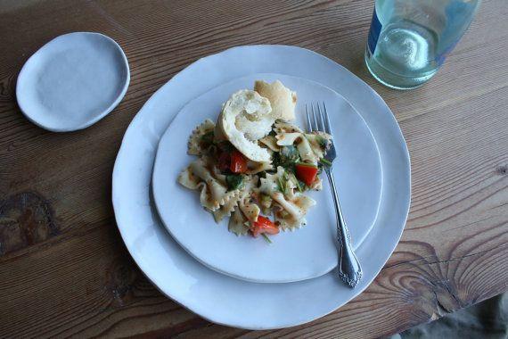 Ensemble de vaisselle en céramique blanche par TagliaferroCeramics