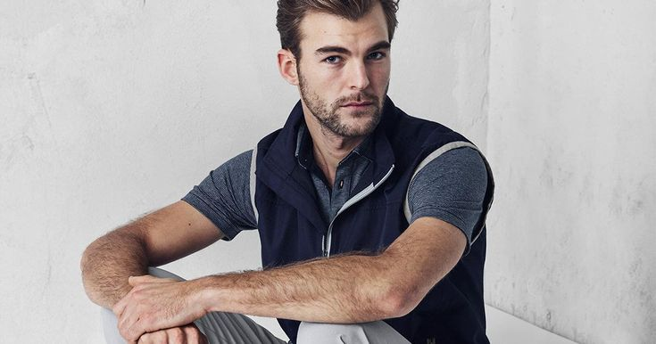 The latest innovation in Custom Sportswear, J.Hilburn Golf combines innovative fabrics, elevated personalized styling details, and above all, your preferred fit for a high-end Golf experience.