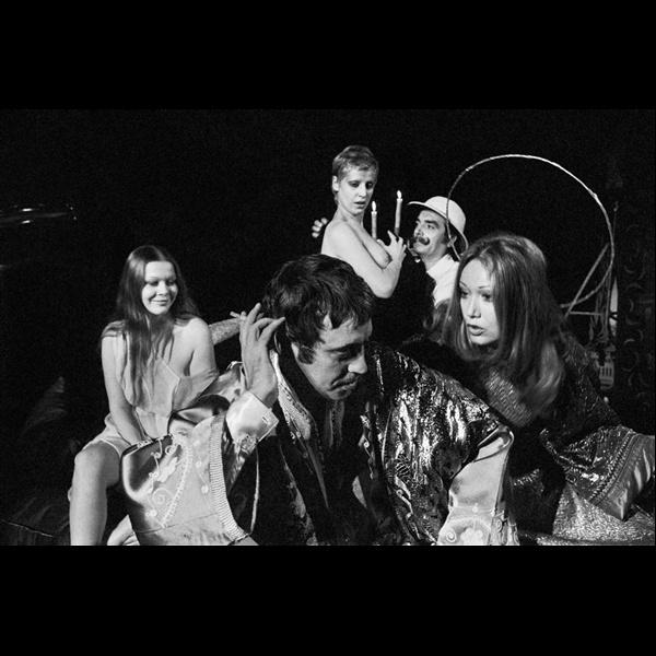 Claudio Abate. Isabella Russo, Imelde Marani, Alfiero Vincenti, Lydia Mancinelli e Carmelo Bene in Nostra Signora dei Turchi. Teatro Beat 72, Roma 1967 (durante le prove)