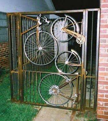 bicycle wheel gate upcycle  (think I would spray it matt black)