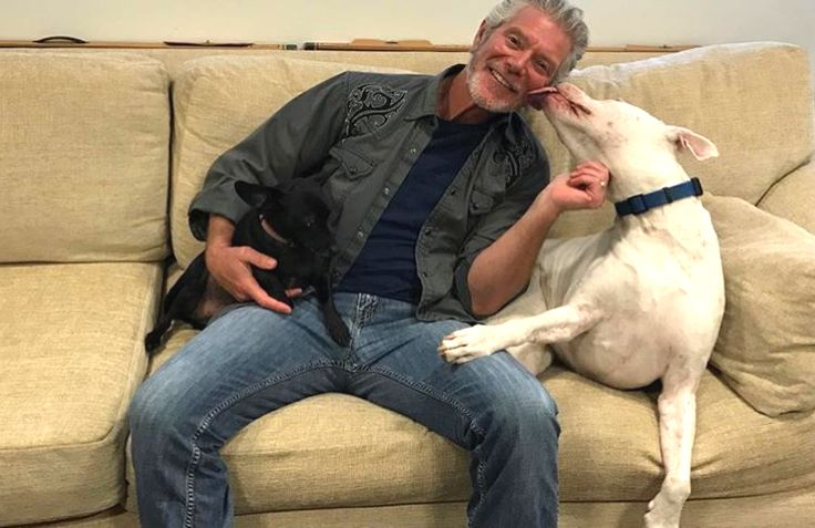 """@the_luka_and_diego_show: We just met with outstanding actor and all around nice guy Stephen Lang aka Colonel Quaritch from the Avatar movies. We discussed the possibility of Pandora having a species of dog. Possibly a blue pit bull and a blue..."