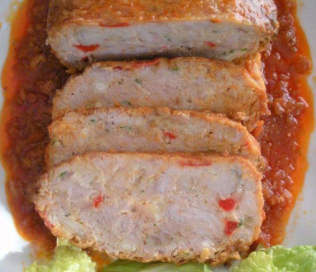 Otra manera de comer pescado...Bonito en rollo        Ingredientes: ½ kg. de bonito sin piel ni espinas 1 cucharadita de ajo en polvo 1 huevo 1 pimiento morr...