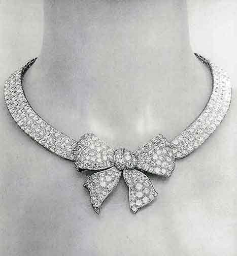 ChanelCoco Chanel, Fashion, 1932 Diamonds, Chanel Necklaces, Diamond Necklaces, Cocochanel, Diamonds Necklaces, Vintage Chanel, Bows Necklaces