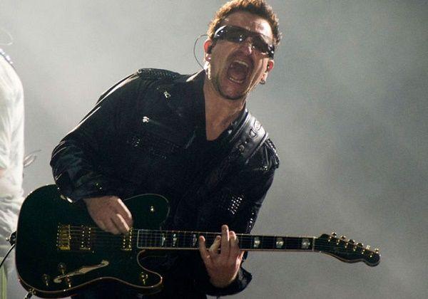 U2-zanger Bono kan misschien nooit meer gitaar spelen