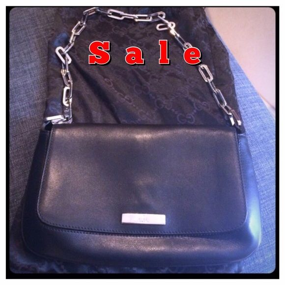 Vintage 100% authentic Gucci Leather evening bag BRAND NEW!!! Not a single scratch on the leather. Even inside flap is leather. Very versatile! Even have original gucci dustbag Gucci Bags
