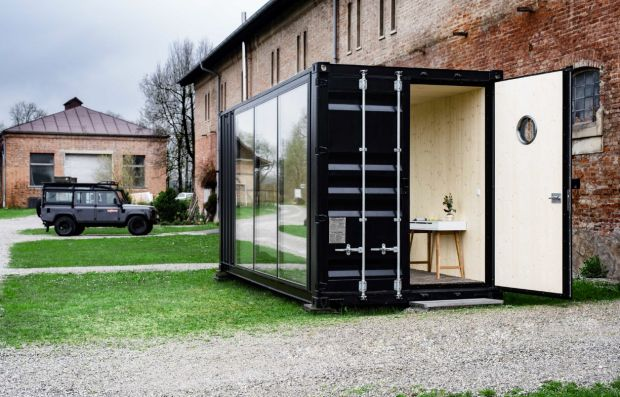 A Shipping Container Is Perfect If You Want A Small Office On A Budget - UltraLinx