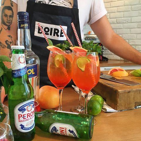🍃🍊🍹 Pour bien commencer la semaine, regarder notre InstaStory pour connaître les étapes de notre cocktail du lundi! | Un Aperol revisité ! 🍹🍊🍃 #PeroniQC #Partner #boiremixologie