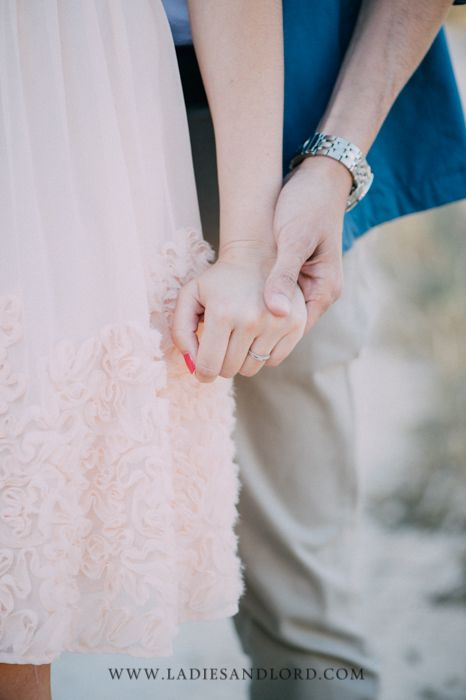 Engagement Session Cala Llombards, Mallorca by Ladies & Lord detail shot of lovers hands #verlobungsshooting