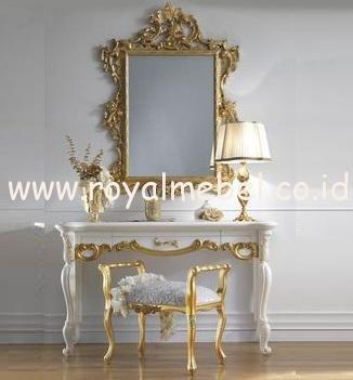 Jual Meja Konsul Klasik Baroque Interior Meja Konsul Klasik Baroque Interior -Furniture mewah dengan desain klasik eropa yang indah dan menawan untuk menye