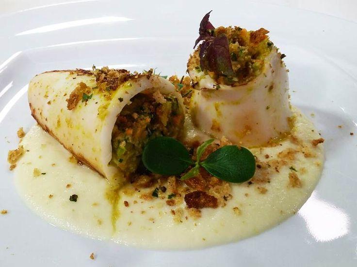 Foto dei calamari ripieni di verdure, agrumi e cavolfiore