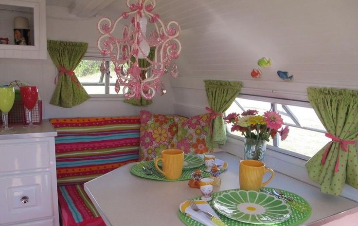 Adorable, love the happy colors. Whimsical!